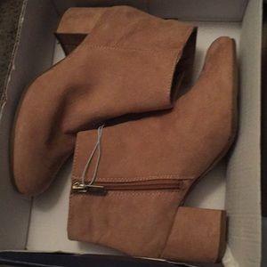 Brand new!!! Golden caramel ankle boot